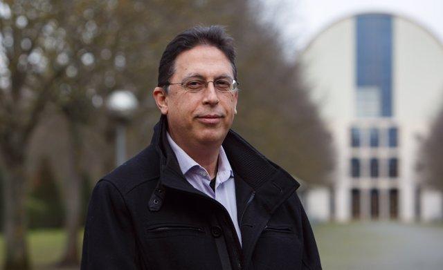 Javier Alemán Alonso, autor de la tesis