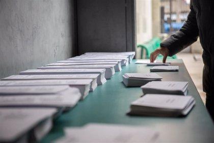 La Generalitat defiende que votar en colegios será seguro y que el riesgo está fuera
