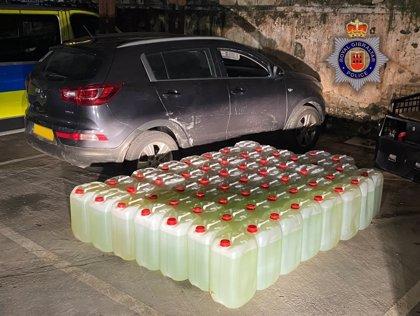 Cuatro detenidos en Gibraltar por tráfico de drogas y la posesión de 58 contenedores con 1.276 litros de combustible