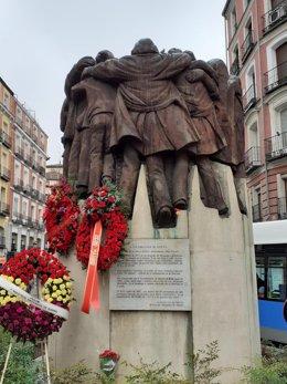Imagen del monumento homenaje a los abogados de Atocha asesinados hace 44 años.
