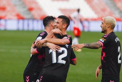 Sabadell y Castellón sorprenden a Almería y Sporting