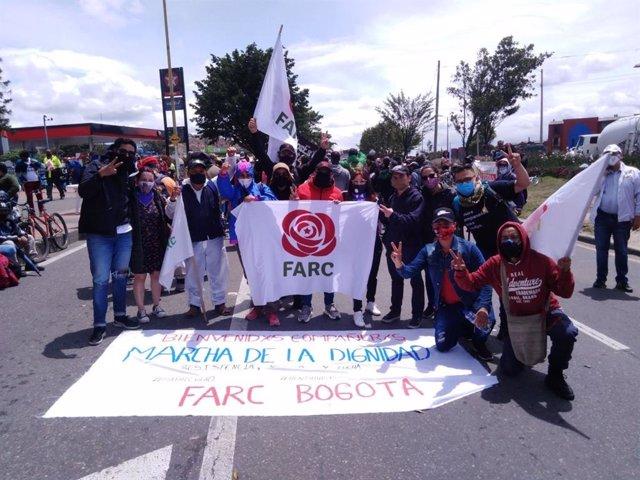 Militantes de la antigua Fuerza Alternativa Revolucionaria del Común (FARC), ahora Comunes, en Bogotá.