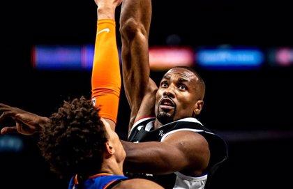 Ibaka colabora con 17 puntos a extender la buena racha de los Clippers
