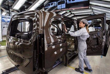 Las plantas españolas dejaron de fabricar 554.000 vehículos en 2020 por la pandemia