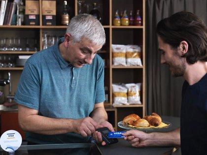Los pagos con tarjeta de débito crecieron un 37% durante la pandemia frente a un 25% con tarjetas de crédito