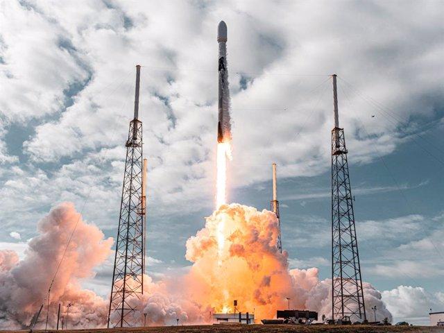 Lanzamiento de la misión Transporte 1 de Space X