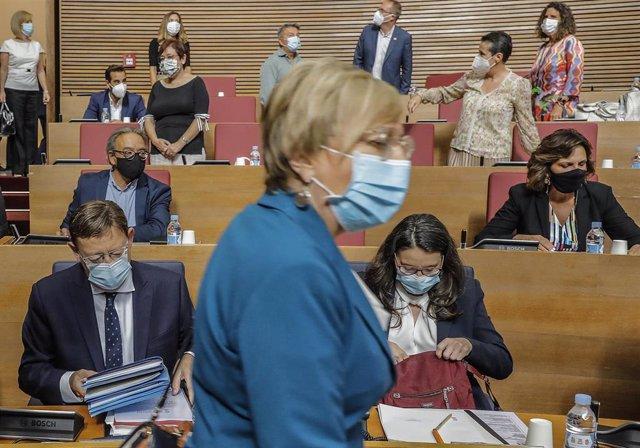 La consellera de Sanidad de la Generalitat Valenciana, Ana Barceló, en Les Corts