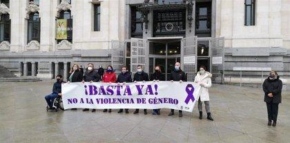 Madrid recuerda con un minuto de silencio a la mujer asesinada en Vallecas, primer crimen machista del año en Madrid