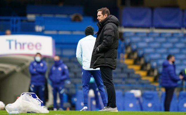 10 January 2021, England, London: Chelsea's manager Frank Lampard is seen on the pitch prior to the start of the English FA Cup third round soccer match between Chelsea and Morcambe at Stamford Bridge. Photo: John Walton/PA Wire/dpa