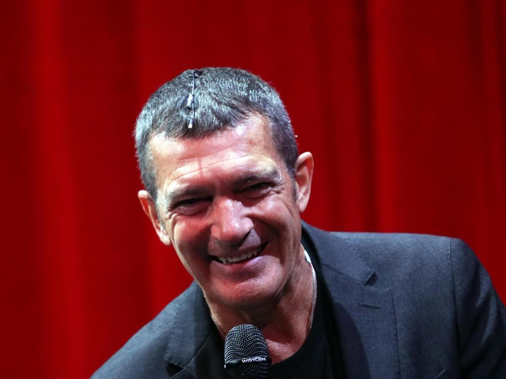 La Academia de Cine aplaza la presentación de la gala de los Goya por una gripe de Antonio Banderas