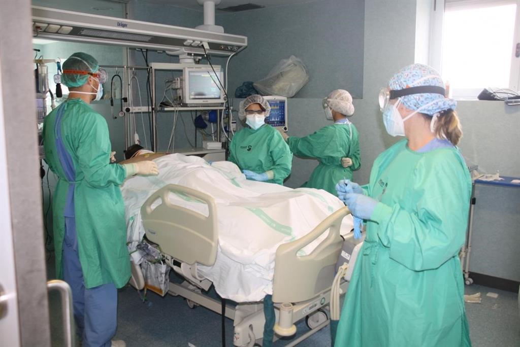 El Sindicato Médico alerta de que los centros sanitarios de Castilla-La Mancha están  al límite de saturación