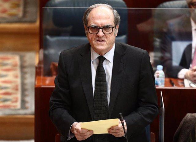 El portavoz del PSOE en la Comunidad de Madrid, Ángel Gabilondo, interviene durante una sesión extraordinaria en la Asamblea de Madrid (España), a 21 de enero de 2021. En el pleno se debate la Declaración Institucional sobre zonas catastróficas en Madrid