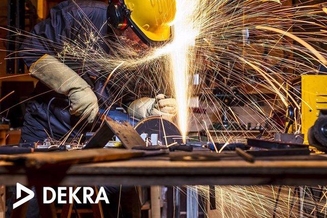 Formaciones de DEKRA para los profesionales del sector del metal