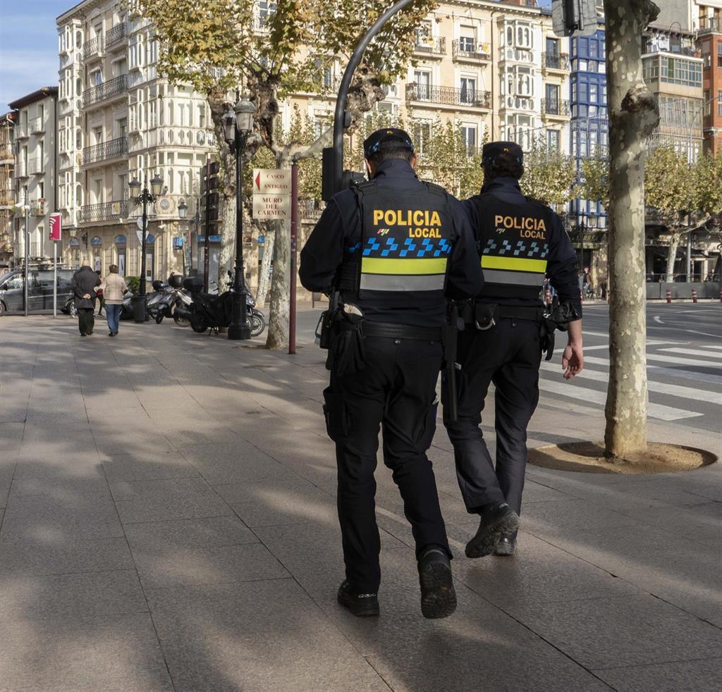 La Policía Local de Logroño ha interpuesto este fin de semana 106 denuncias por incumplimiento de la normativa COVID-19