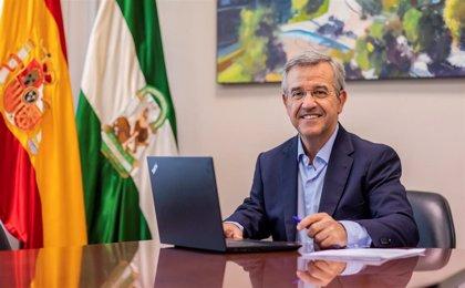 """El alcalde de Estepona (Málaga) pide """"seguir sin bajar la guardia y actuar con responsabilidad"""" frente al COVID"""