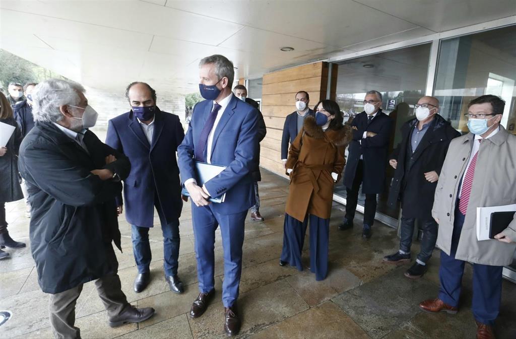 Xunta, Fegamp, diputaciones y sector turístico volverán a verse el miércoles al no haber acuerdo para el rescate