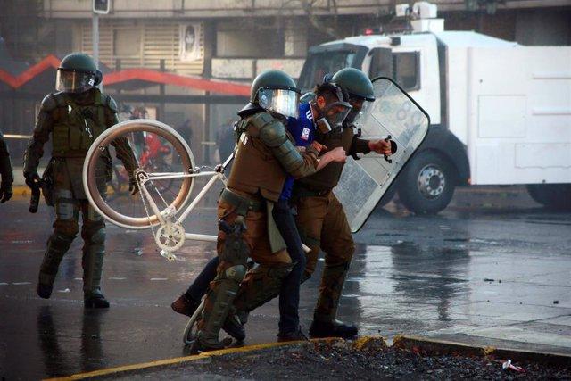 Disturbios durante una manifestación en Chile