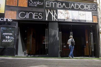 Cines, teatros, auditorios y espacios similares podrán concluir después de las 21H las actividades ya iniciadas