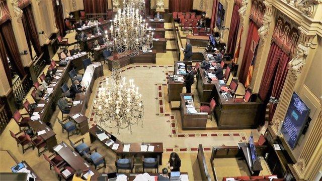 Pleno del Parlament balear.
