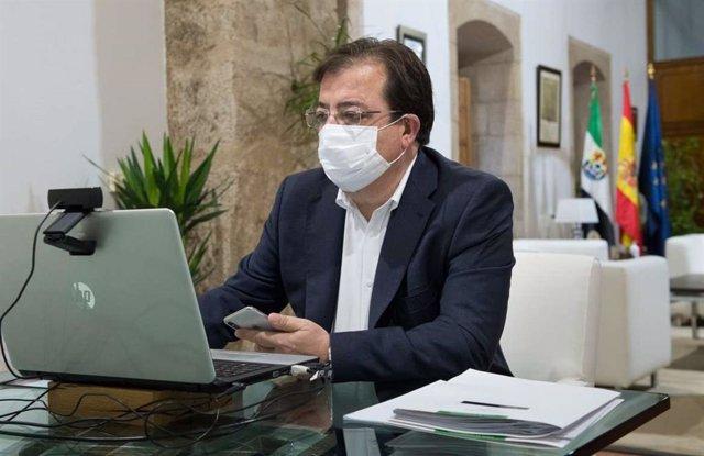 Imagen de archivo del presidente de la Junta de Extremadura, Guillermo Fernández Vara, en una reunión telemática