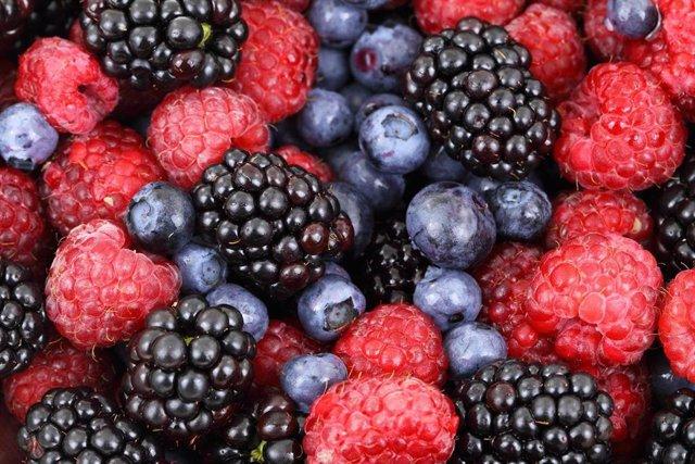 Imagen de archivo de frutos rojos, producto destacado de las exportaciones agroalimentarias andaluzas.