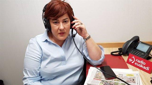 La secretaria general de EA y parlamentaria de EH Bildu, Eba Blanco, en una entrevista a Radio Euskadi