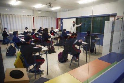 UGT pide incluir como personal de riesgo a docentes y no docentes de centros educativos
