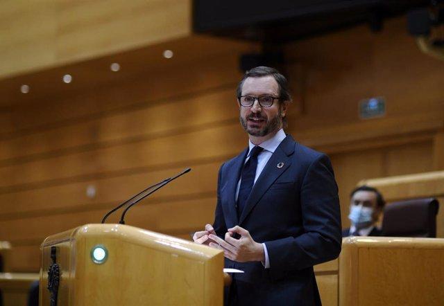 El portavoz del PP en el Senado, Javier Maroto, interviene durante una sesión plenaria en el Senado, en Madrid (España), a 14 de diciembre de 2020.