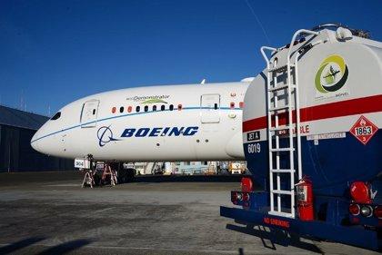 Boeing se compromete a producir aviones comerciales capaces de operar con combustibles 100% sostenibles