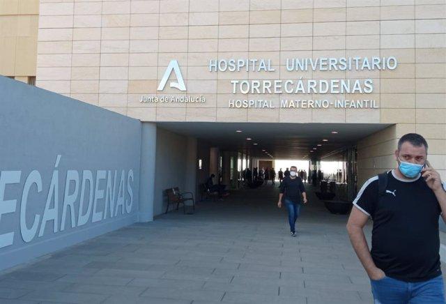 Entrada al Hospital Universitario Torrecárdenas de Almería