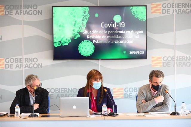 José María Abad, Sira Repollés y Francisco Falo en la rueda de prensa para informar sobre el endurecimiento de las restricciones.