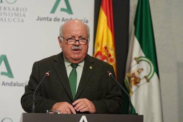 El consejero de Salud y Familias, Jesús Aguirre, en rueda de prensa posterior a la reunión del Consejo de Gobierno