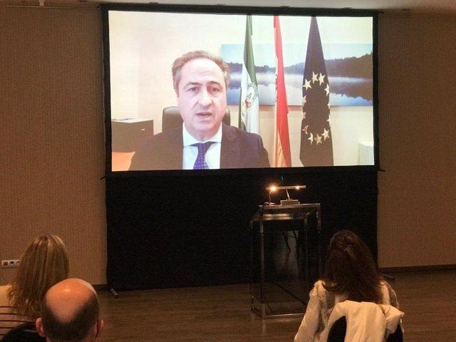El delegado territorial de Turismo de la Junta de Andalucía, Ángel Pimentel, participa de manera telemática en la presentación del evento 'Kitchen On Live Córdoba'.