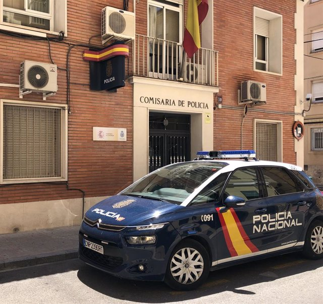 Policía Nacional en Alcoi (Alicante)