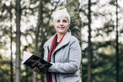 """Maite Ochotorena hace a la naturaleza protagonista del thriller 'La mensajera del bosque': """"Es una víctima más"""""""