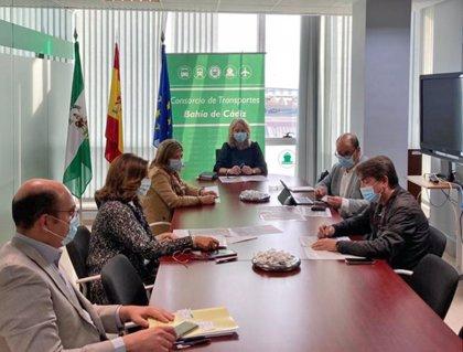 La Junta avanza en tramitación de dos paradas de autobús interurbano en el Hospital San Carlos de San Fernando (Cádiz)