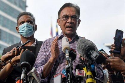 La oposición de Malasia denuncia al Gobierno por suspender el Parlamento