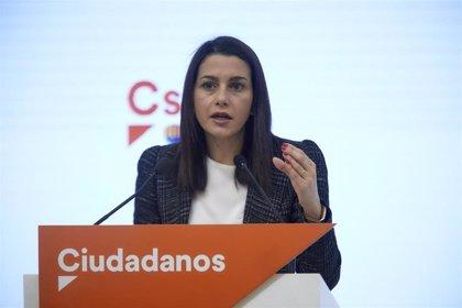Arrimadas anima a los catalanes a castigar en las urnas a los partidos del 'procés' y la gestión de Illa en la pandemia
