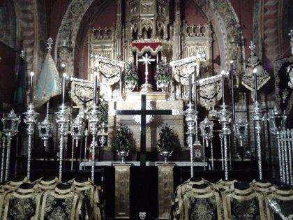 El Arzobispado de Sevilla deja abierta la puerta a montar altares con cristos y vírgenes en templos en Semana Santa