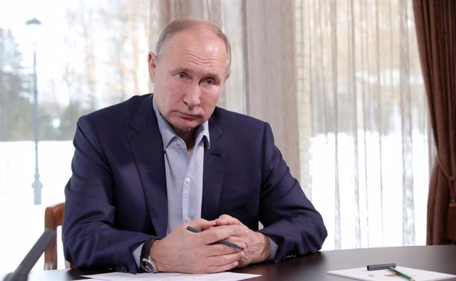 HANDOUT - 25 January 2021, Russia, Zavidovo: Russian President Vladimir Putin holds a meeting via videoconference with representatives of universities and other higher education institutions to mark the Russian Students Day. Photo: -/Kremlin/dpa - ATTENTI