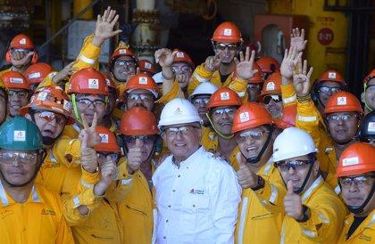 La producción de Pemex cae un 1,8% en 2020 y se queda a 103.000 barriles de su objetivo