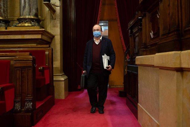 El primer secretari del PSC, Miquel Iceta, a la seva arribada a una sessió celebrada en la Diputació Permanent del Parlament, a Barcelona, Catalunya, (Espanya), a 13 de gener de 2021. La sessió ha estat convocada per informar sobre les últimes mesures ado