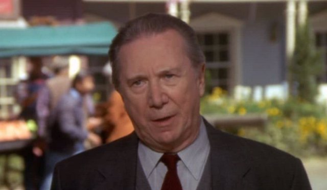 Muere Bruce Kirby, actor de Colombo y La ley de Los Ángeles, a los 95 años