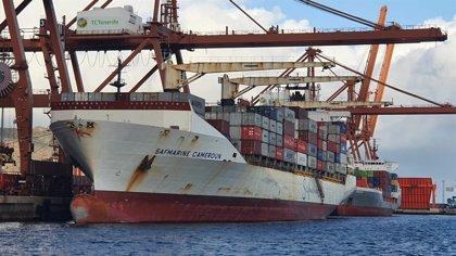 El tráfico de pasajeros en los puertos españoles se hunde un 64,5% en 2020