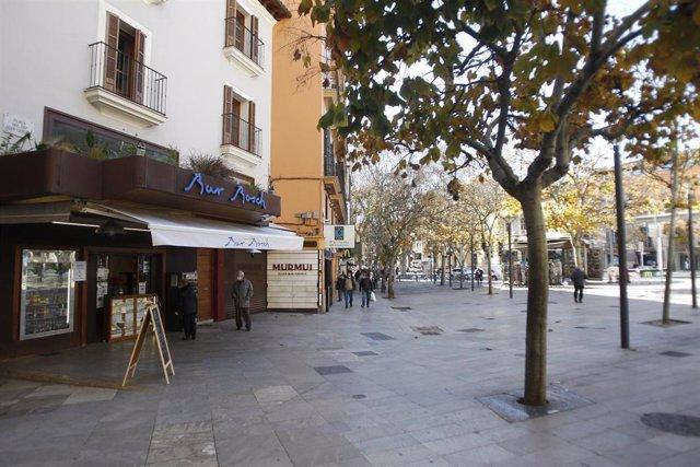 El bar Bosch, cerrado, en Palma.
