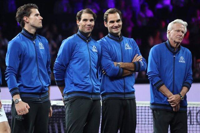 Rafael Nadal y Roger Federer, junto a Dominic Thiem y Bjorn Borg durante la Copa Rod Laver de 2019