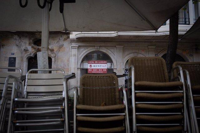 Terrassa d'un bar tancat (Arxiu)