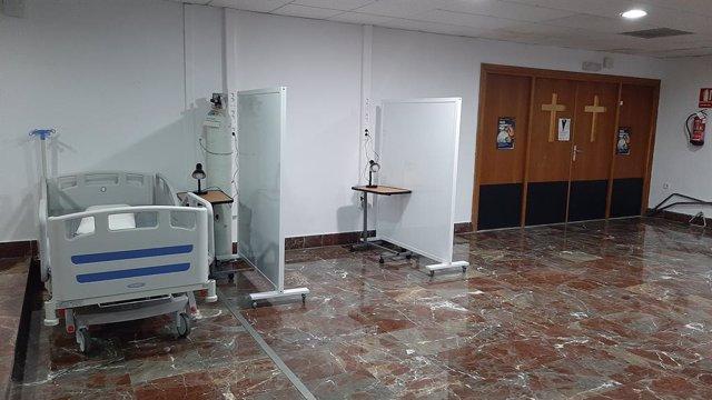 L'Hospital d'Elx (Alacant) habilita llits en la cafeteria i en la capella per a pacients sense Covid