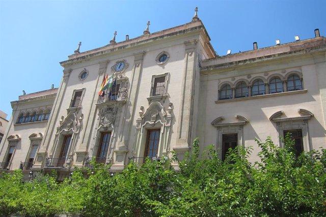 Fachada del Ayuntamiento de Jaén en una imagen de archivo.