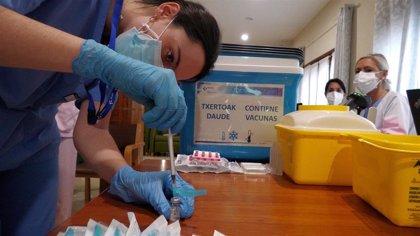 Euskadi suma 89 muertes por covid en una semana, detecta 1.104 contagios más y hay 134 pacientes en UCI